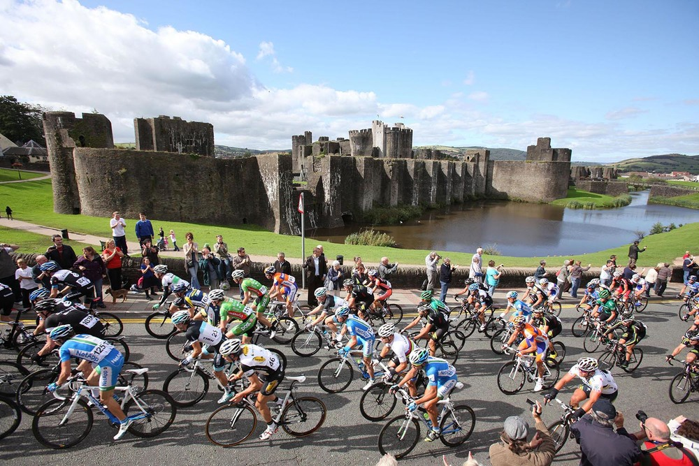 The Tour of Britain passes Caerphilly Castle