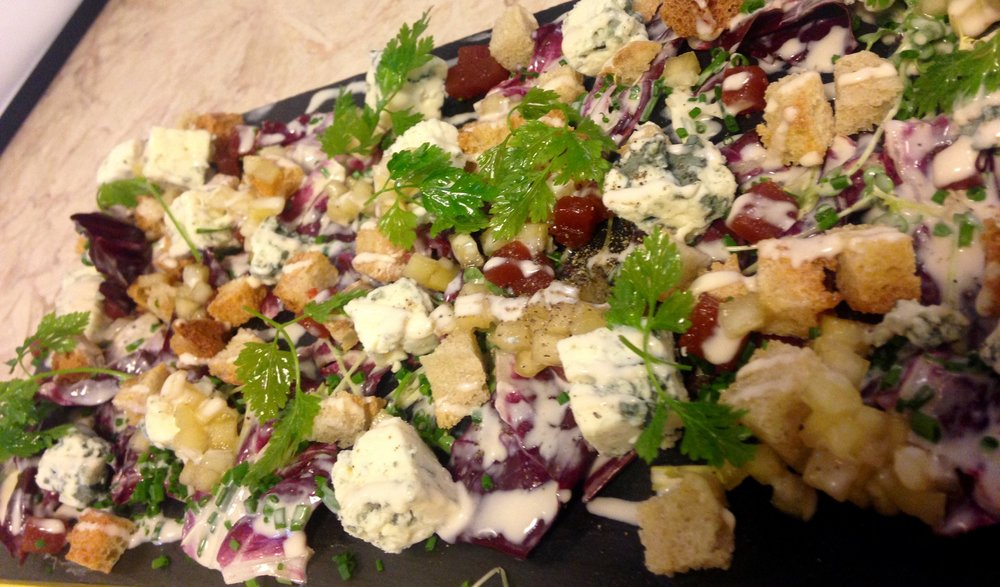 fourme d'ambert salad