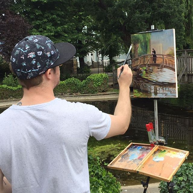 A passing stranger took this photo of me while I was painting by Clapton Pond today. . . . #paintingfromlife #painting #pleinair #pleinairpainting #instaart #artist #oilpainting #paintanyway #artist #artoftheday #oilpainting #london# #clapton