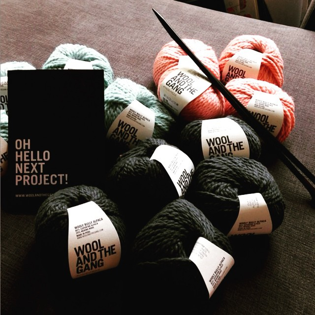 Oh hi there @woolandthegang - better get going! #shareyourknits