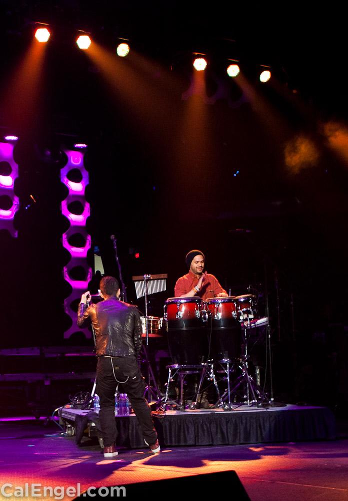 JoeJonas2011-12-17_305