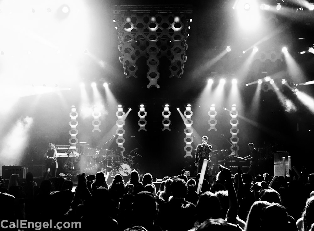 JoeJonas2011-12-17_460