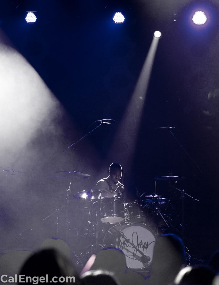 JoeJonas2011-12-17_500