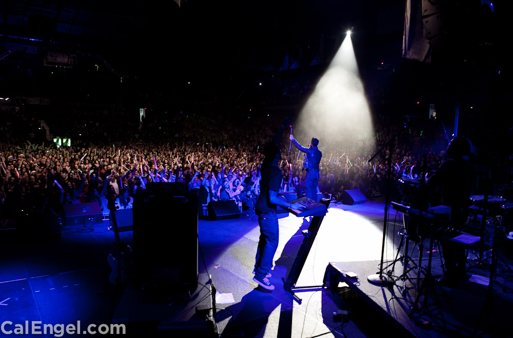 JoeJonas2011-12-17_539