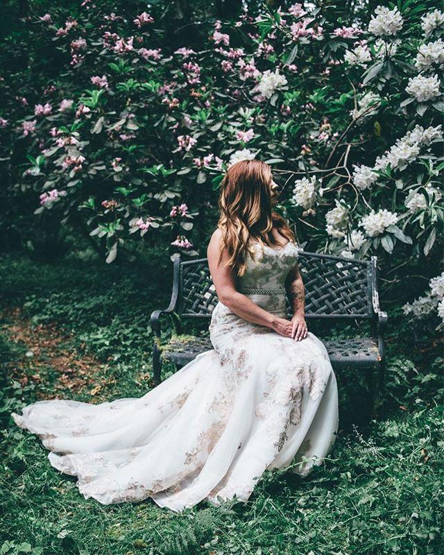 Flowers upon flowers. . . . #bride #spring #flowers #weddingphotography #pnw #vsco #portrait #beauty