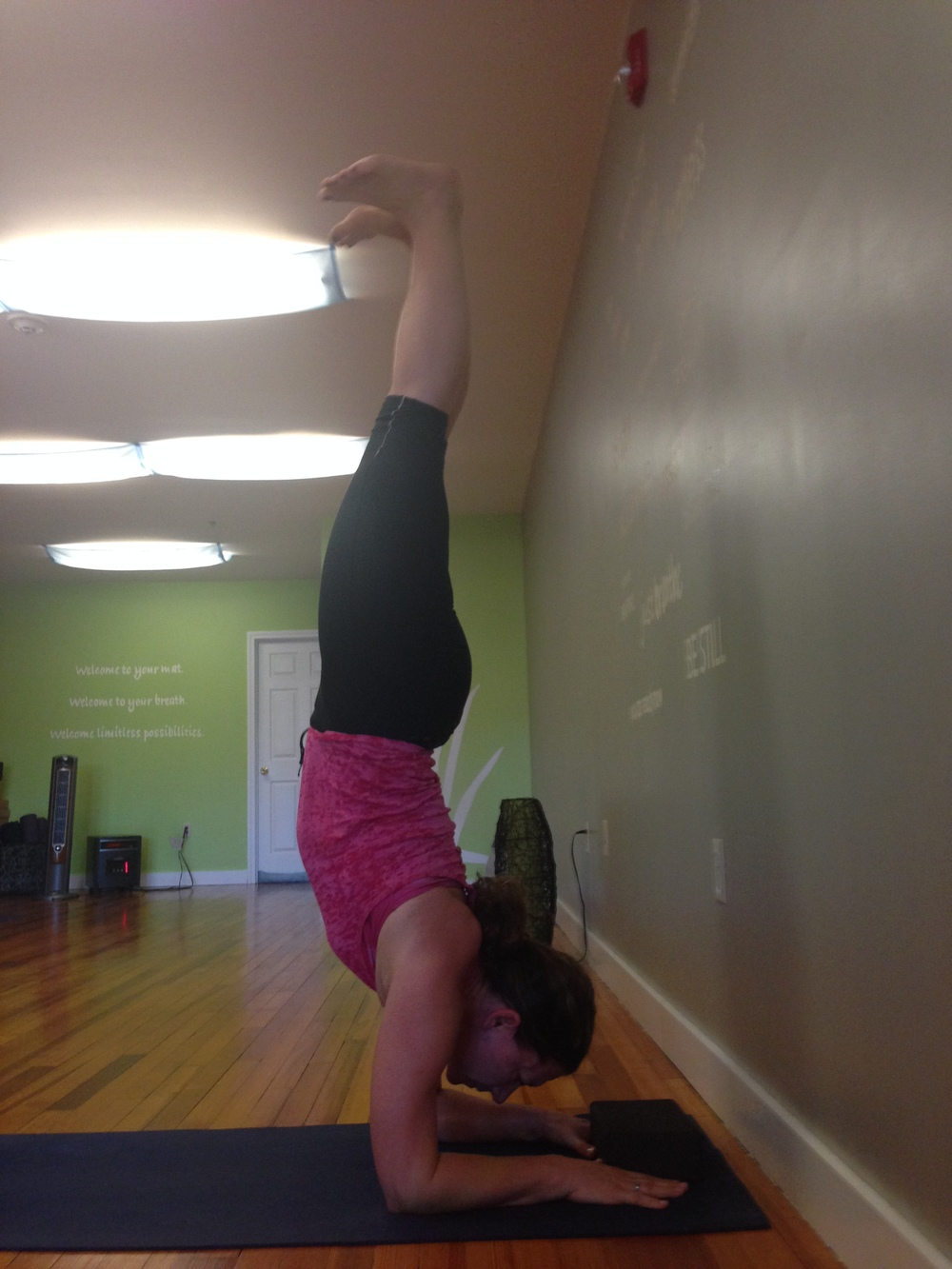 TW forearm stand