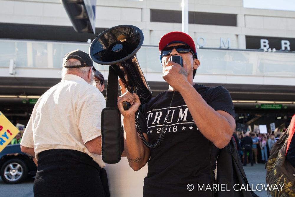 Mariel-Calloway-Los-Angeles-Photojournalist-LAX-Protest-4.jpg
