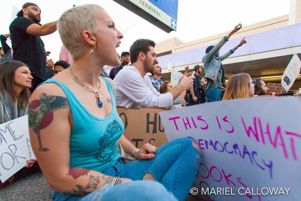 Mariel-Calloway-Los-Angeles-Photojournalist-LAX-Protest-17.jpg