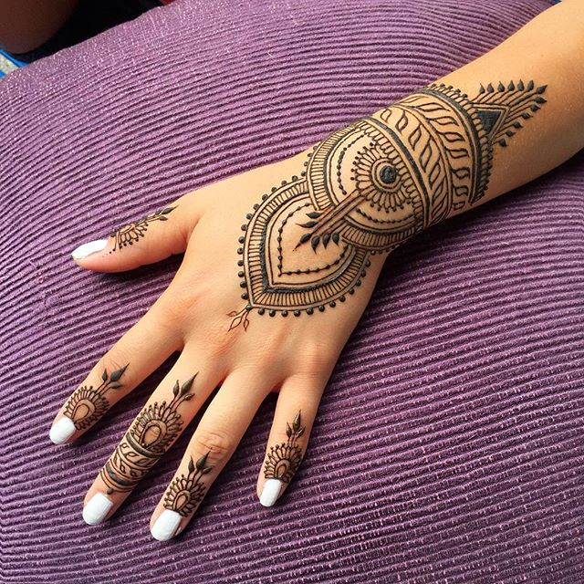 simply elegant bridal henna