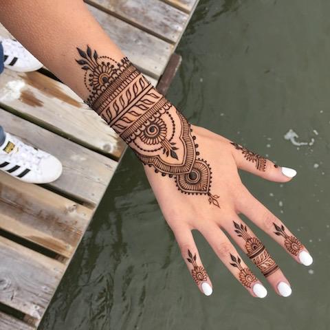 Contact  Bella Henna