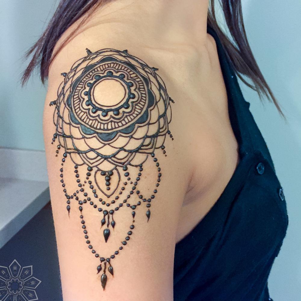 mandala-henna-cincinnati-bellahenna