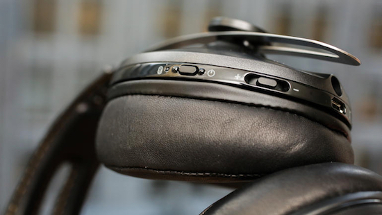 All buttons on right earpiece. Photo credit: CNET