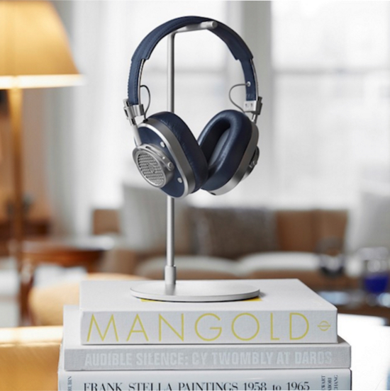 Master & Dynamic MH40 Headphone on its dedicated headphone stand.