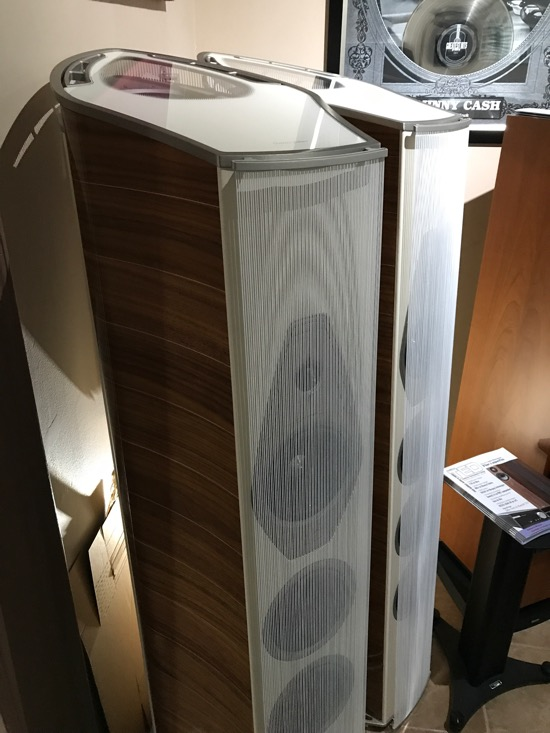 Sonus Faber. Italian artistry in sound and workmanship. If you've not heard a Sonus Faber lately, I think you may be surprised. Much like Wilson Audio and Focal, there has been a Paradigm Shift in sound design. Modern, dynamic, refined, superb!