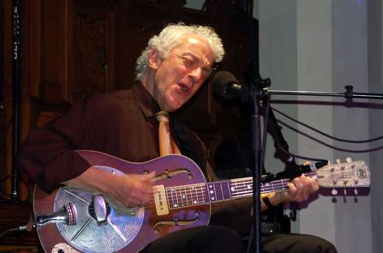 Blues master, Doug MacLeod.