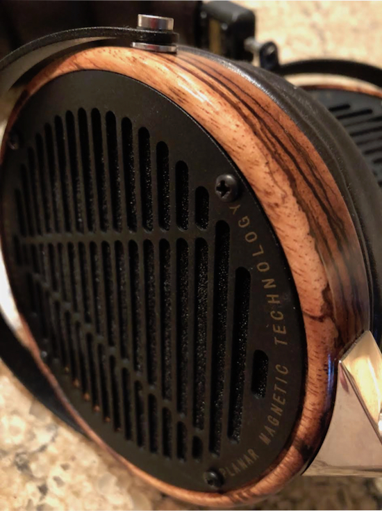 Workmanship TDF. Audeze's superb planar magnetic drivers. Large ultra thin-film diaphragms and double-sided magnetic structure.