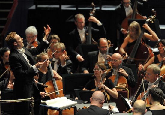Daniel Harding with the Swedish Radio Symphony Orchestra. Photo:http://classicalsource.com/