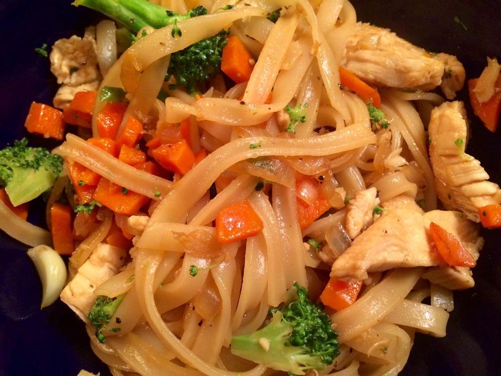 Garlic-Chicken Noodle Bowl