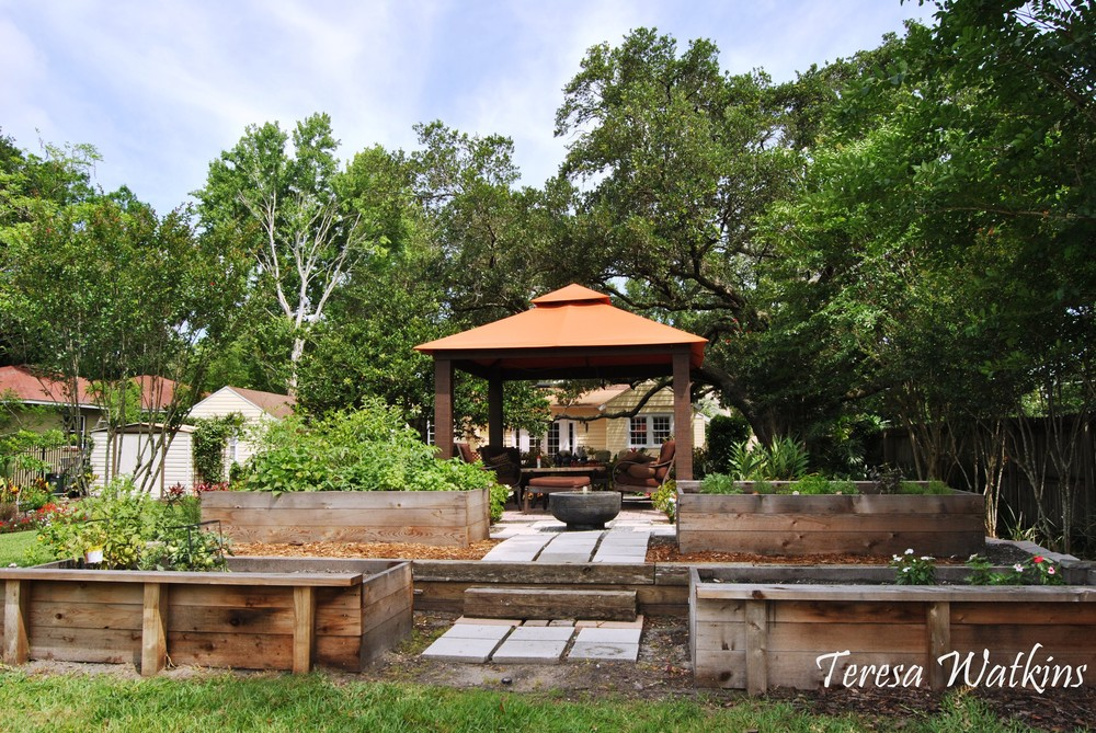 Edible Landscaping behind gazebo and water feature..JPG