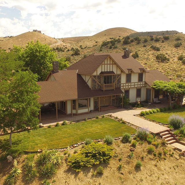 Love this home high up in the foothills above Spanish Springs.  Almost 40 acres, separate barn, even a fenced garden area. #spanishsprings #bringthehorses #lotsofspace
