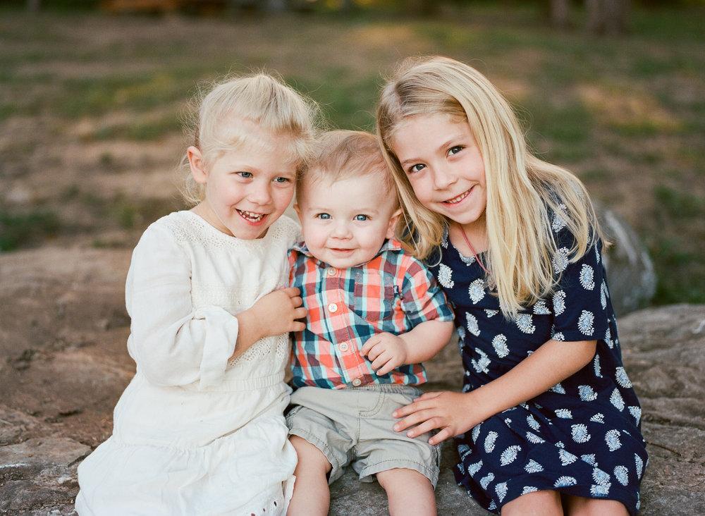 Family photos at Arrington Vineyards