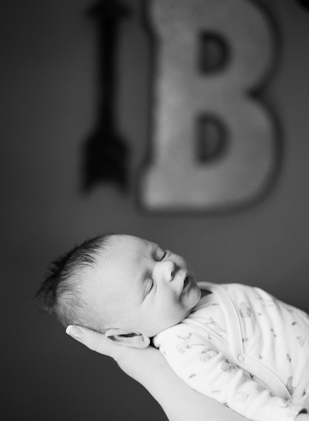 in home newborn photographers nashville