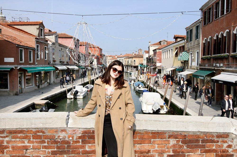 "ABIGAIL SMITH - JUNIOR ARCHITECTURAL DESIGNER""And he didn't really know where he was going, but he did know hewas going somewhere, because you really have to go somewhere,don't you?"" -Shel SilversteinLatest Travels: Weekends spent in Europe!Favorite Vacation Spot: ArubaFavorite Design Era/Style: Persian styleFavorite Paint Color: Soothing Sage Green"