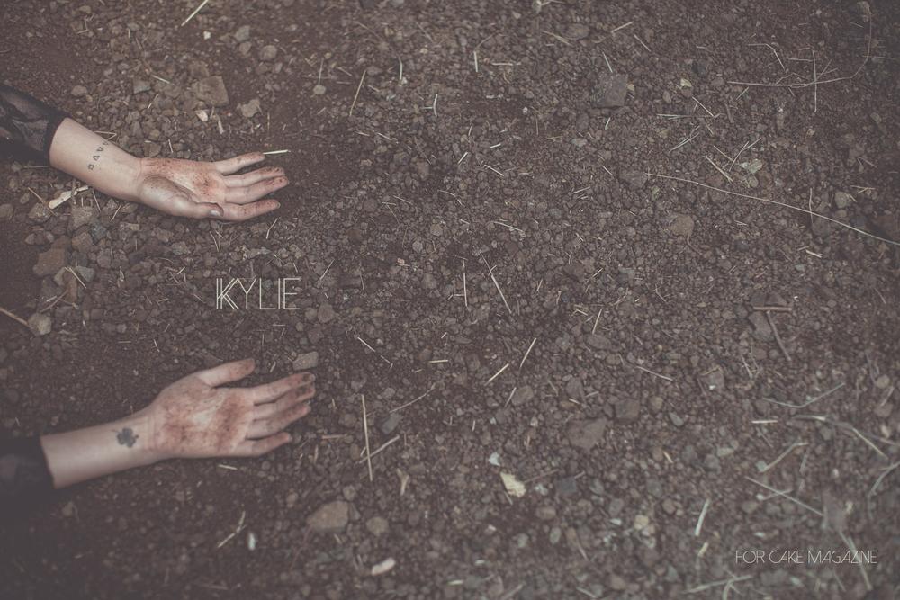 E_M_Kylie_layout_v.3.001.jpg