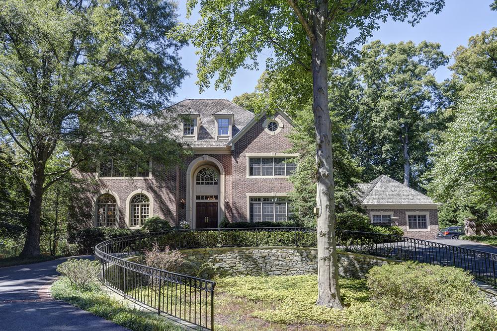 Large Estates & Luxury Homes