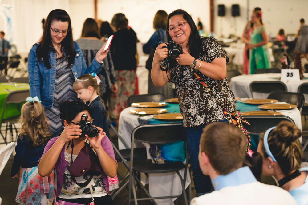 candid event photography