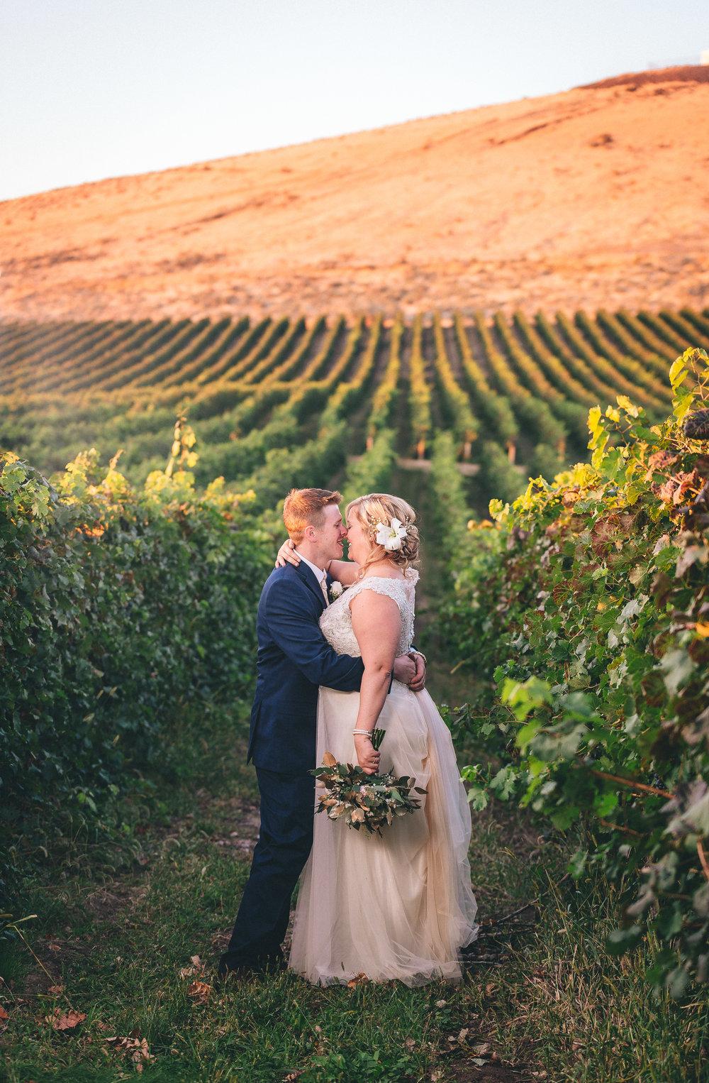 tri-cities powers winery wedding