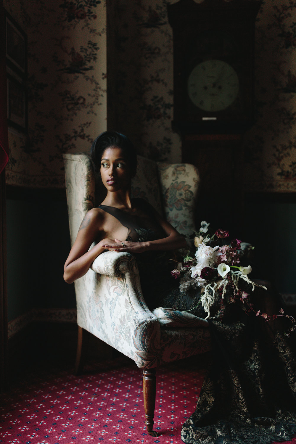ryanne-hollies-photography-campbell-house-stylized-shoot-stairwell0wallpaper-editorial-high-fashion-portrait-vintage-bride-timeless-old-school-chair.jpg