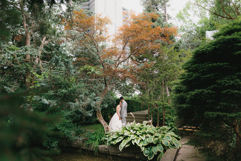 Graydon-Hall-Manor-Wedding-Toronto's-Best-Wedding-Photography-Ryanne-Hollies-Intimate-Small-Modern-Colourful-Wedding-candid-documentary-portraits-of-the-bride-and-groom-real-moments-urban-meets-nature-in-downtown-toronto-epic.jpg