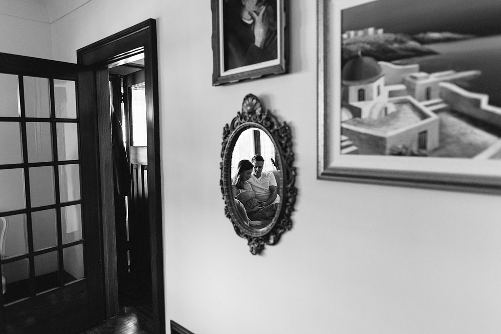 hamilton-toronto-vintage-old-home-rustic-inhome-maternity-session-toronto-maternity-photographer-ryanne-hollies-photography-candid-documentary-lifestyle-session-pregancy-parents-to-be-photojournalist-image-intimate-artistic.jpg