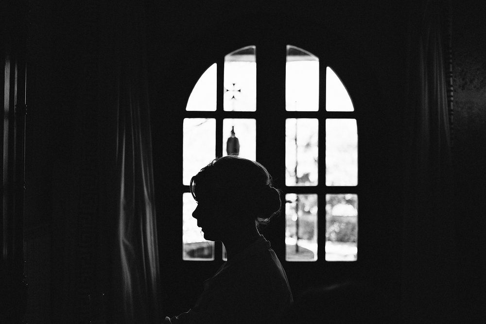 european-wedding-spain-wedding-photographer-destination-wedding-photographer-from-toronto-ryanne-hollies-photography-documentary-editorial-style-toronto-wedding-photographer-getting-ready-bride-hair-and-makeup-candid-artistic-silhouette-bw.jpg