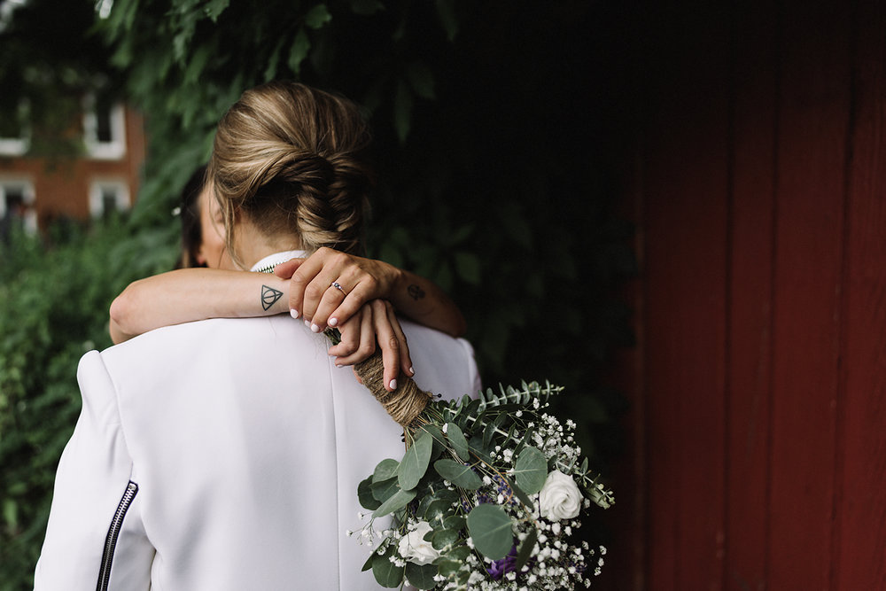 cambium-farms-wedding-ryanne-hollies-photography-gay-wedding-farm-wedding-inspiriration-green-wedding-shoes-couples-portraits-rustic-barn-vintage-trendy-badass-couple-intimate-romantic-best-toronto-wedding-photography-tattooed-brides-gta.jpg