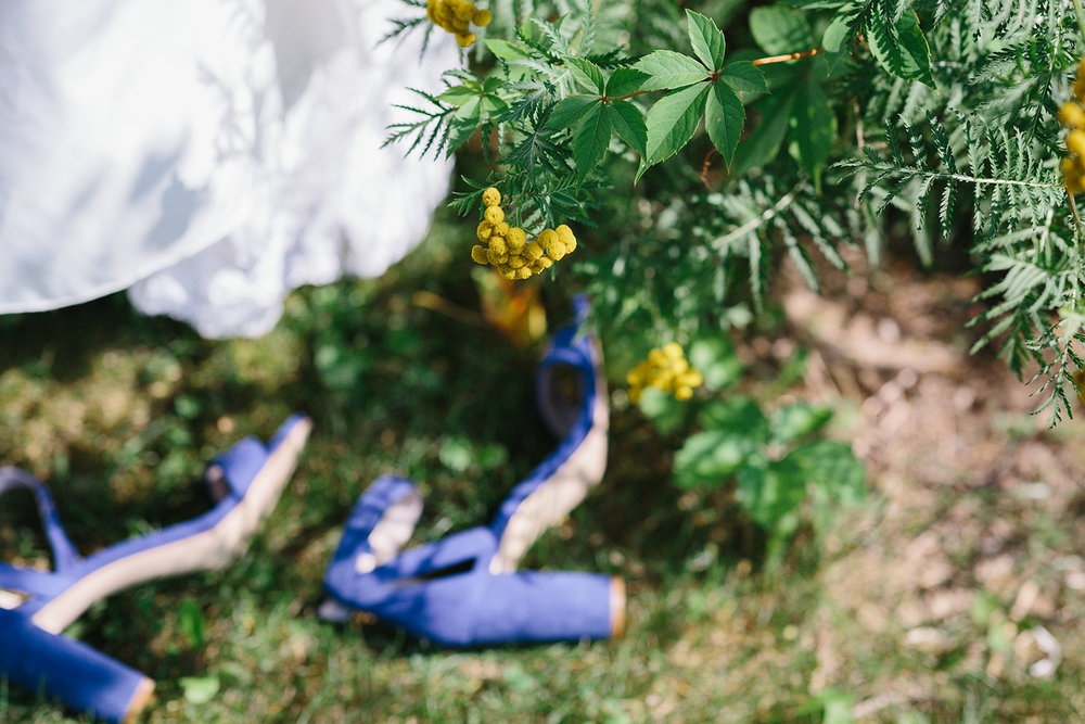 Graydon-Hall-Manor-Wedding-Toronto's-Best-Wedding-Photography-Ryanne-Hollies-Intimate-Small-Modern-Colourful-Wedding-Grounds-Romantic-Moody-Vintage-Rustic-Venue-in-Downtown-Toronto-tennis-courts.jpg
