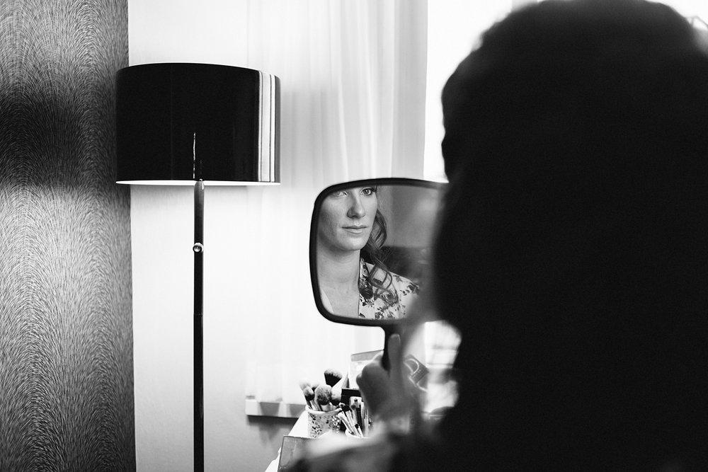 bridesmaid-getting-makeup-done-vintage-modern-wedding-torontos-best-wedding-photographers-in-london-ontario-wedding-inspiration.jpg