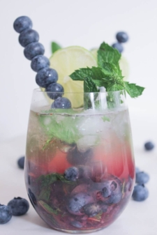Blueberry-Mojito-Royale-with-Champagne-10.jpg