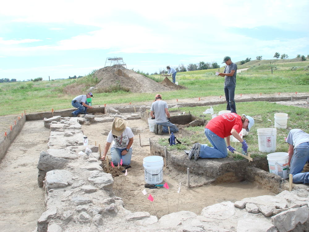 An archaeological crew excavates the foundation of the Gratiot House at Fort Bernard.