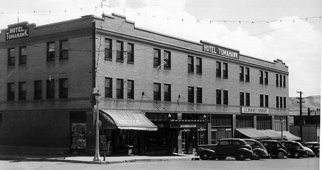The Hotel Tomahawk in 1940. Photo credit: Sweetwater County Historical Museum