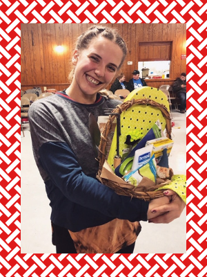 prize-baskets-lucky-Hannah-Yellow-Rose-Cloggers.png