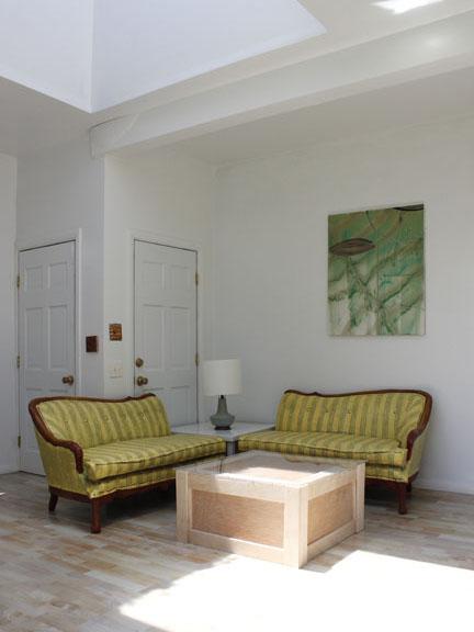 Living Room_14.jpg