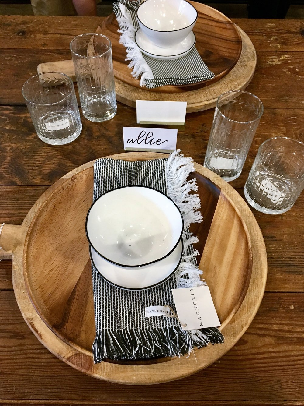 I want these place settings for my dining room!