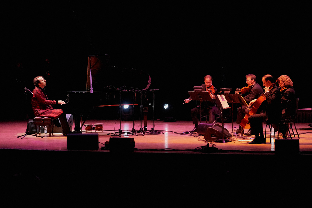 Chilly Gonzales & Kaiser Quartett - credit: Massey Hall/Malcolm Cook