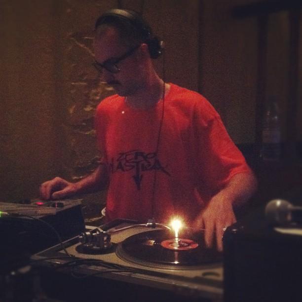 dj-nio_hip-hop_dakar technics senegal.jpg