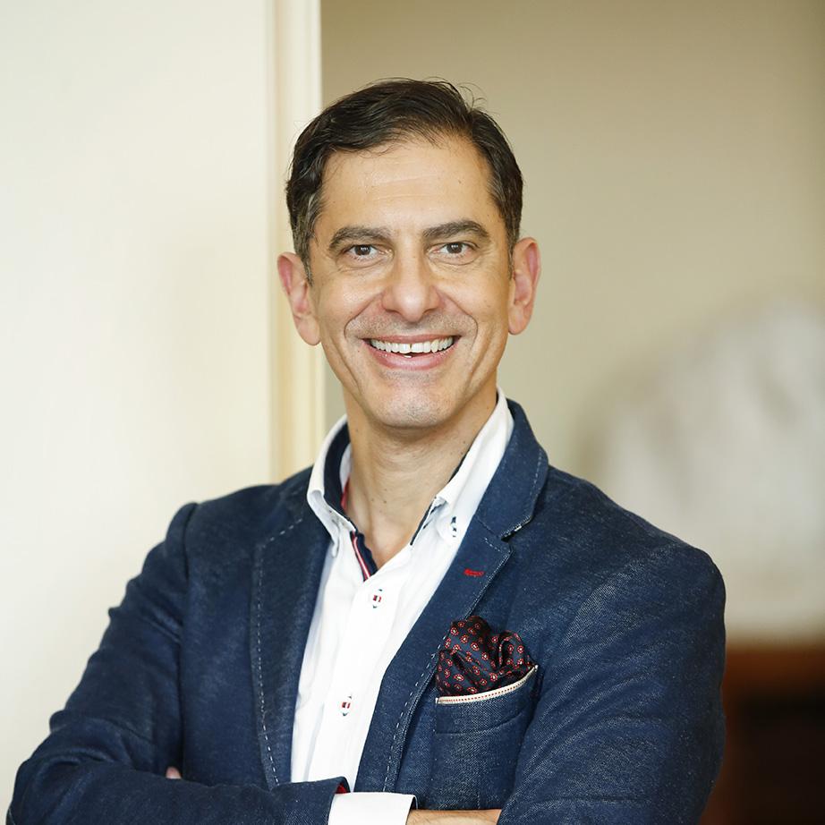 André Noël Chaker , Vuoden puhuja 2016, kirjailija, päivän moderaattori (luento suomeksi)