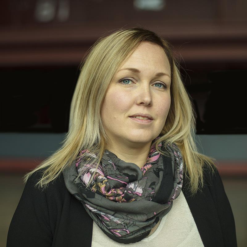 Tiina-Maria SandeliusAsiakkuusjohtaja Perhe- ja psykoterapeuttiBusiness Coach koulutuksessatiina-maria(at)tyodynamo.fip. 040 487 4685 -