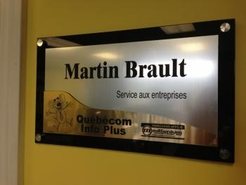 Plaque du bureau de Martin Brault, responsable du Service aux entreprises