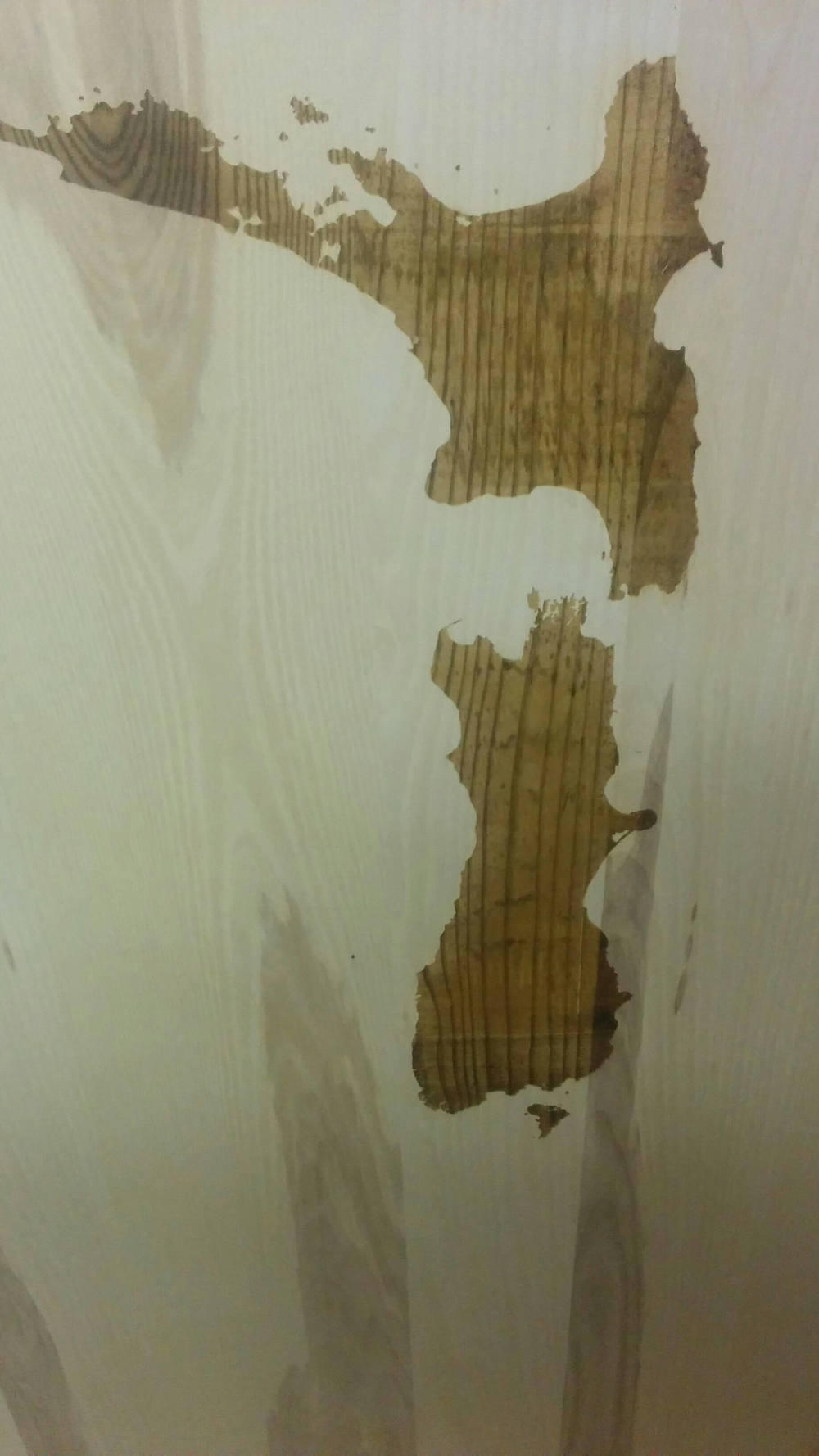 Carte sur planche de bois